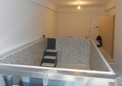 Προκάτ πισίνα - Με εσωτερική σκάλα από pvc