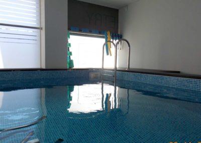 Προκάτ πισίνα- Πισίνα θεραπευτηρίου με  εξοπλισμό θεραπείας